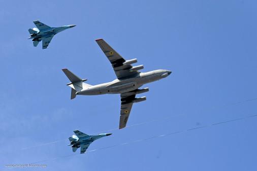Défilé_Ukraine_2021_A116_Su-27_Il-76