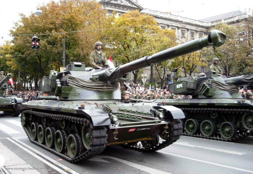 SK-105_Kurassier_char-leger_Autriche_001