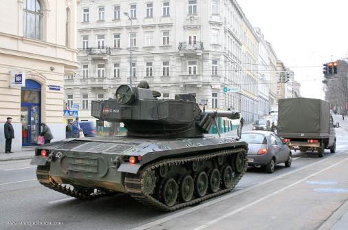 SK-105_Kurassier_char-leger_Autriche_005