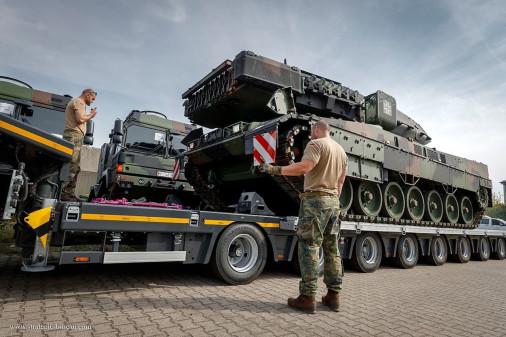Leopard_2A7V_char_Allemagne_A203_livreson