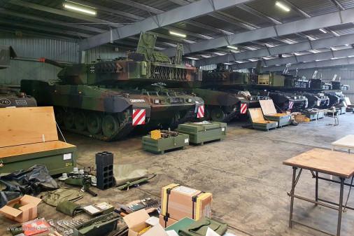Leopard_2A7V_char_Allemagne_A205_livreson